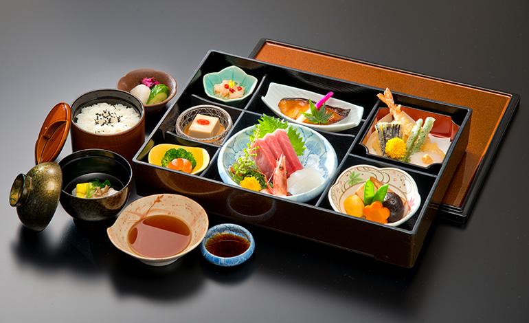 魚伊三-201