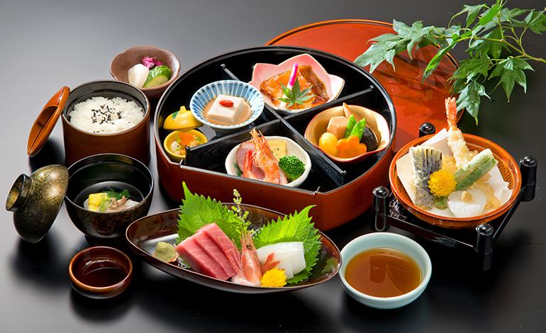 魚伊三-202